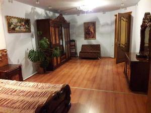28 MAJ Street NEFT AKADEMIA, Apartments  Baku - big - 24
