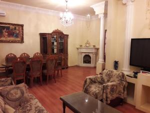 28 MAJ Street NEFT AKADEMIA, Apartments  Baku - big - 28