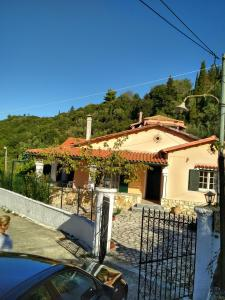 obrázek - Traditional house Garounas