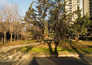Apartment with balcony near King David residence, Apartmány  Tbilisi - big - 23