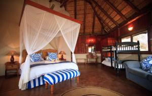 Shayamoya Tiger Fishing and Game Lodge - Majozini