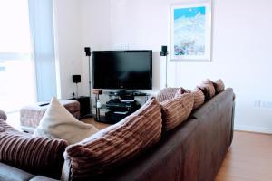 Modern Apartment with Balcony, Sleeps 3