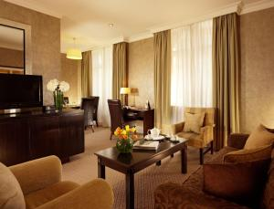 Taj 51 Buckingham Gate Suites and Residences (12 of 73)