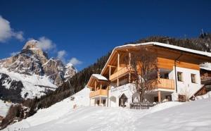 Chalet La Flu Apartments - AbcAlberghi.com