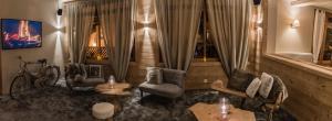 Hotel Les Flocons, Hotely  Les Deux Alpes - big - 59