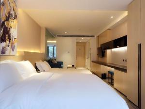 Shanghai rongju hotel lujiazui Hotel - Liuliqiao