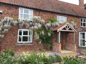 Goltho House Bed & Breakfast - Langworth