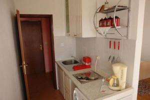 Apartments Scarlett, Apartmanok  Novalja - big - 46