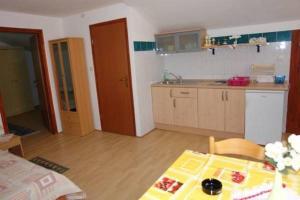 Apartments Scarlett, Apartmanok  Novalja - big - 35