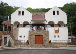 Kállai Vináreň a Penzion - Hotel - Fiľakovo
