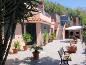 casa panoramica con piscina - AbcAlberghi.com