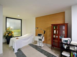 Mirabeau Park Hotel, Üdülőtelepek  Montepaone - big - 20