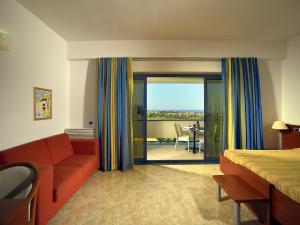 Mirabeau Park Hotel, Üdülőtelepek  Montepaone - big - 29