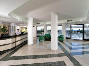 Mirabeau Park Hotel, Üdülőtelepek  Montepaone - big - 16