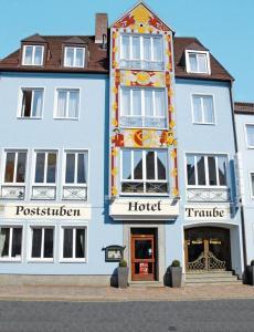 Posthotel Traube, Отели  Донаувёрт - big - 1