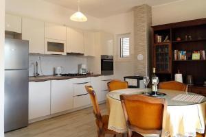 Apartment Vinisce 5229c, Appartamenti  Vinišće - big - 1