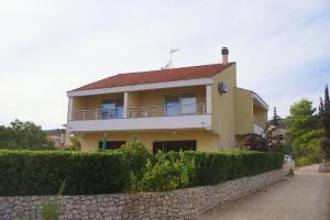 Apartment Vinisce 5229b, Apartments  Vinišće - big - 1