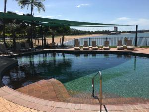 Mariners North Holiday Apartments, Aparthotels  Townsville - big - 149