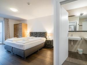 Mountain and Lake XL, Apartments  Zell am See - big - 6