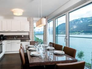 Mountain and Lake XL, Apartments  Zell am See - big - 13