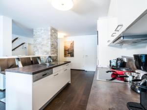 Mountain and Lake XL, Apartments  Zell am See - big - 28