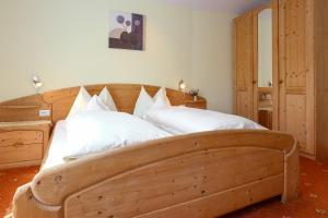 Garni Meinrad, Guest houses  Ora/Auer - big - 8