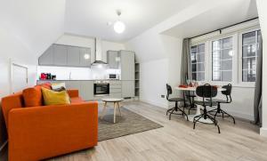 Luxury Apartments in Kensingto..