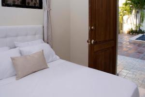 Beautiful 11 Bedroom Mansion near the Old City, Nyaralók  Cartagena de Indias - big - 10