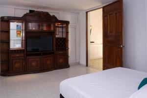 Beautiful 11 Bedroom Mansion near the Old City, Nyaralók  Cartagena de Indias - big - 48