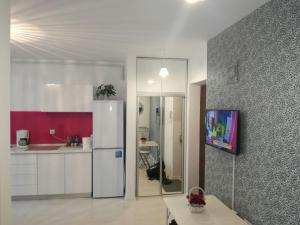 White Luxury Apartment, Apartmány  Sibiu - big - 7