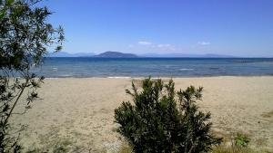 'ON THE BEACH' AMAZING HOME Aegina Greece