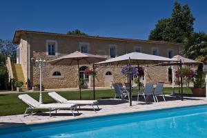 Location gîte, chambres d'hotes Hôtel La Tour Perrier dans le département Gironde 33