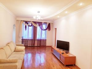 Leningradskaya 68 apartment - Katunskoye