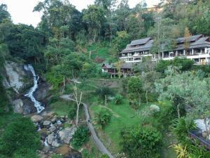 Kangsadarn Resort and Waterfall - Samoeng