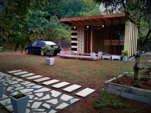 ECOLY BIRD Cabana Lodge - Homagama