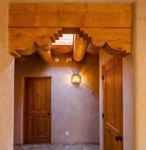 2 Bedroom - 10 Min. Walk to Plaza - Kiva, Case vacanze  Santa Fe - big - 4