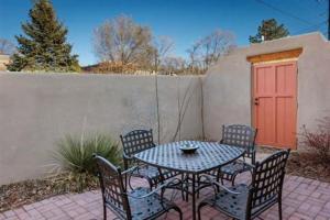 2 Bedroom - 10 Min. Walk to Plaza - Kiva, Case vacanze  Santa Fe - big - 11