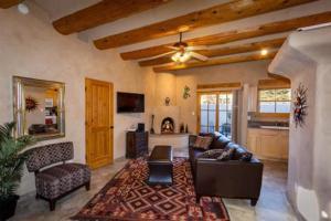 2 Bedroom - 10 Min. Walk to Plaza - Kiva, Case vacanze  Santa Fe - big - 16