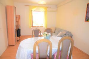 Apartment Poljica 10237a, Apartmány  Marina - big - 15