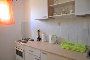 Apartment Poljica 10237a, Apartmány  Marina - big - 17