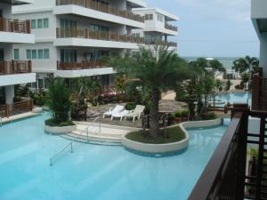 Beach Front Apartment with Beach and Pool view - Ban Bo Khaem