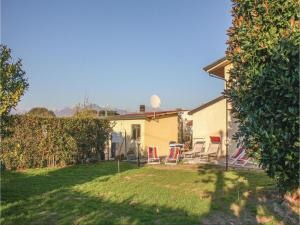 Four-Bedroom Holiday Home in Viareggio -LU- - AbcAlberghi.com