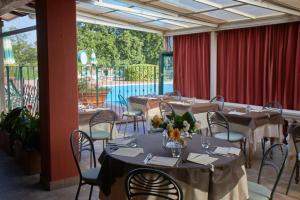 Hotel Lago Verde, Hotel  Serravalle Pistoiese - big - 29