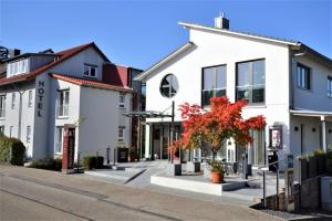 Hotel-Restaurant Weinhaus Steppe - Langensteinbach