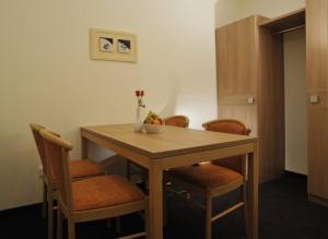 Posthotel Traube, Hotely  Donauwörth - big - 28
