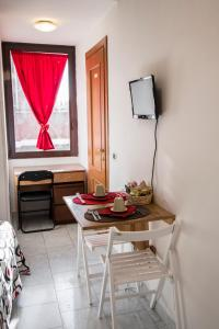 La Voliera, Bed & Breakfast  Roma - big - 41