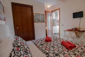 La Voliera, Bed & Breakfasts  Rom - big - 29