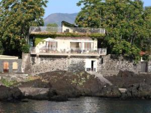 Casa Pizzidu, elegant villa with a terrace overloo - AbcAlberghi.com