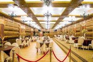 Hotel Complex Havana, Отели  Тыргу-Окна - big - 38