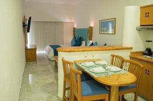 Sunset Marina Resort & Yacht Club (2 of 50)